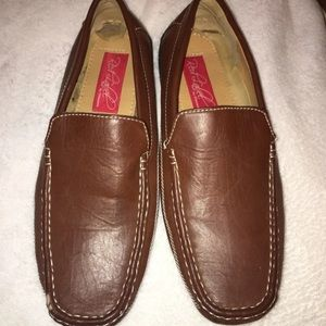 Red Label slip on drivers by Giovanni 8.5